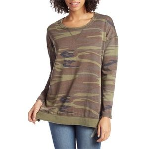 NWT Z Supply The Weekender Camo Pullover